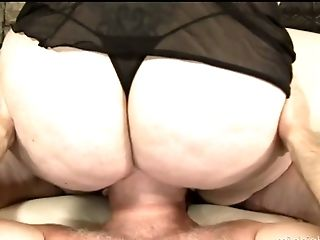 Super BBW Angelina enjoys sitting on dude's face