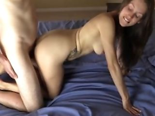 Amateur couple has sex and she does ALL the work for him