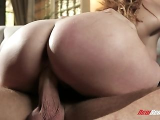 Skylar Snow dolls up for an incredible sexual session