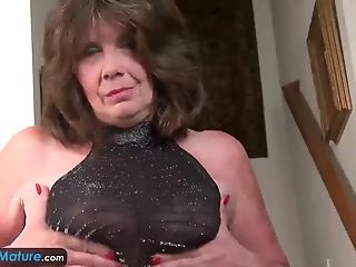 EUROPEMATURE - Jade reveals her sexual preferences