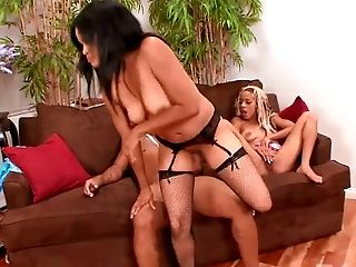 Black blond haired slut Jade Deluna and her whorish kooky share one big cock