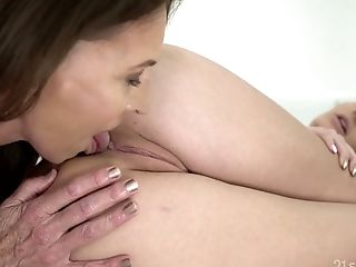Russian brunette Sasha Sparrow is having sex fun with old wise lesbian