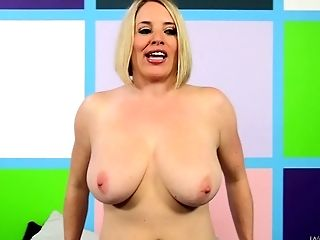 Chubby lady plays live with a guy that bangs her pussy
