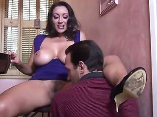 Torrid lady Persia Monir is totally into the idea of having sex on camera