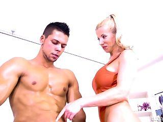 Lara De Santis cannot resist a handsome lover's huge cock