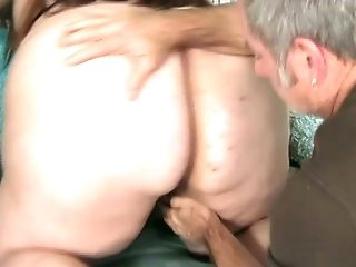 After exposing giant booty BBW is ready to provide stud with a blowjob