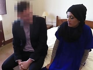 Naughty muslim housewife made wet and banged