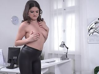 Brunette hotness Francesca Dicaprio moaning from getting fucked