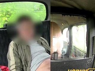 kinkyandlonelycom Hornytaxi back seat blowjob