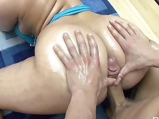 Big bottomed hottie with big boobs Alexis Texas gets her pussy pounded