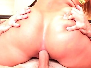 Butt hole tryout in hardcore for Candice Dare